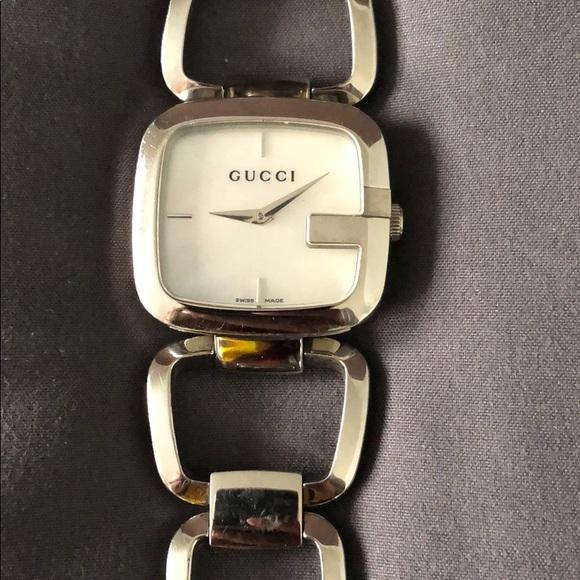 c3a1ad7e074 Gucci Accessories - Gucci watch